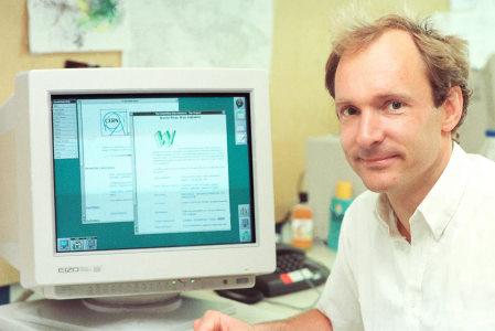 تصویر تیم برنرزلی (Tim Berners-Lee) خالق وب   برنامه نویسی وب چیست