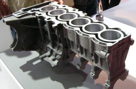بلوک سیلندر خودرو، از قطعاتی است که به روش ریخته گری تحت فشار ساخته میشود.