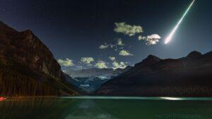 آذرگوی بر فراز دریاچه لوئیز — تصویر نجومی